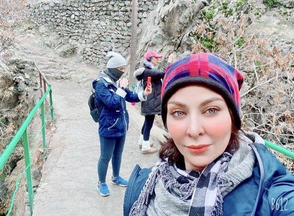 کوهنوردی فقیهه سلطانی با دوستانش + عکس