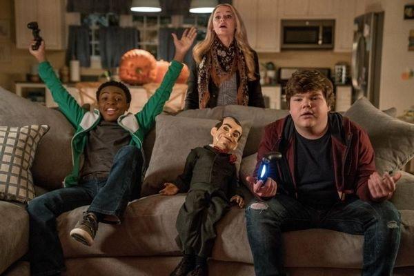 ماجرای کتاب عجیبی که زندگی دو نوجوان را به خطر انداخت در هالووین جن زده 2