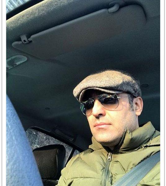 سلفی آقای بازیگر در ماشین+عکس