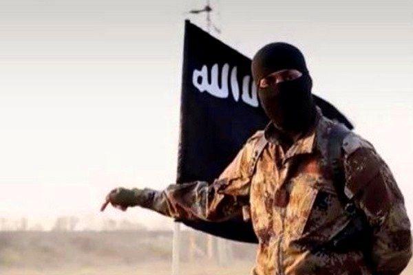 حضور علنی داعش در ادلب با بریدن سر اعضای النصره