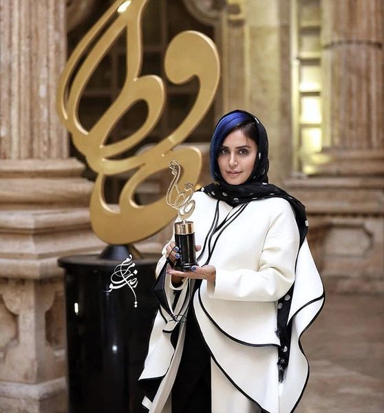 الناز شاکردوست برنده تندیس حافظ بهترین بازیگر زن سینما + عکس
