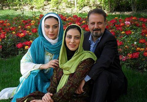 خواهران فرجاد در کنار پدر هنرمندشان