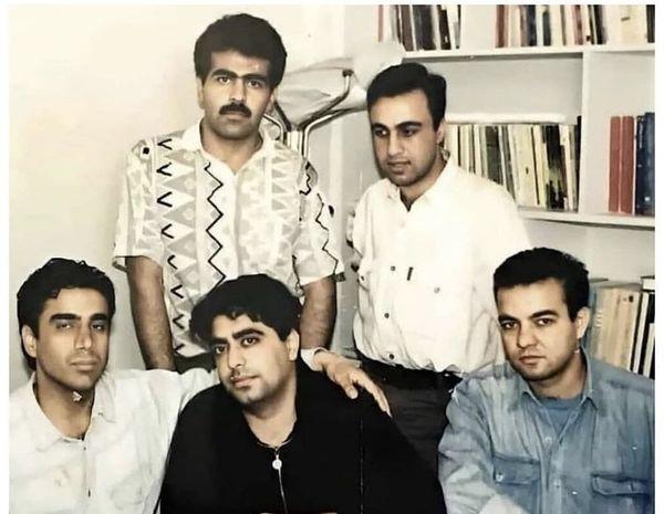 عکسی زیرخاکی از رضا عطاران و دوستانش