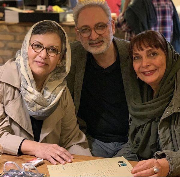 رویا تیموریان و دوستانش در رستوران + عکس