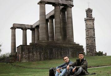 آقای خواننده خوشتیپ در اسکاتلند+عکس