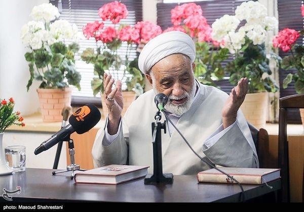 انتقادها و خاطرات حجتالاسلام قرائتی فردا روی آنتن تلویزیون میرود