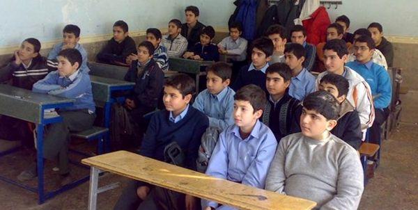تحصیل ۱۷۰ هزار دانشآموز در مدارس آموزش از راه دور