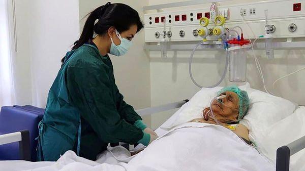 زن ۱۱۶ ساله کرونا را شکست داد + عکس