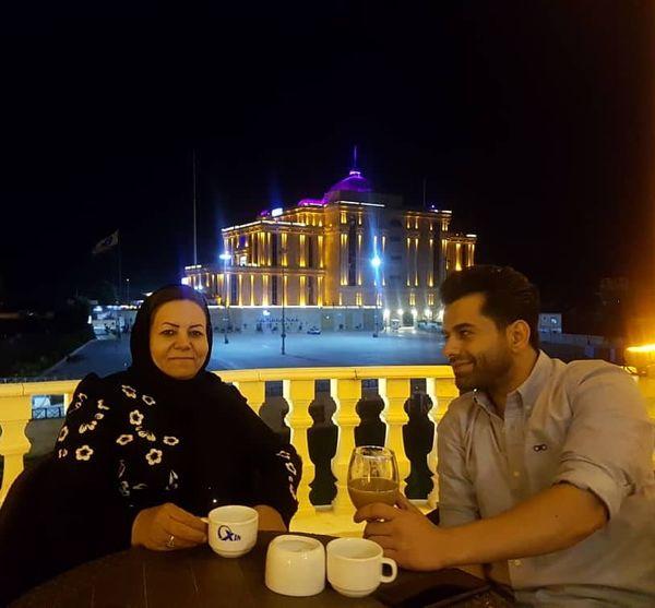 رضا بهرام با تمام زندگی اش در کاخی مجلل+عکس