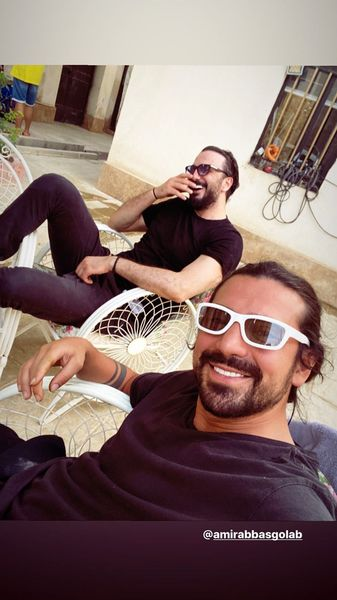 سلفی امیرعباس گلاب و دوستش + عکس