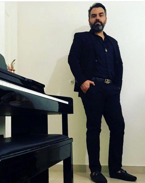 شهرام قائدی در خانه خود + عکس