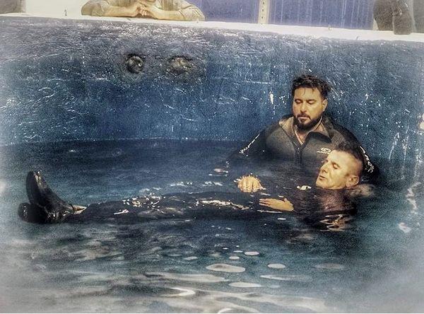 محسن کیایی و امینحیایی در استخر + عکس