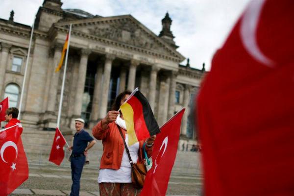 ۳۵ دیپلمات ترک به دنبال پناهندگی در آلمان