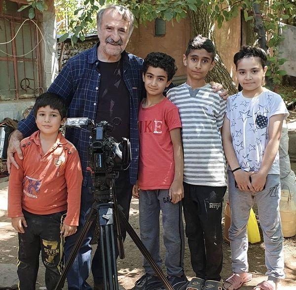مهران رجبی در میان بچه های طالقانی + عکس