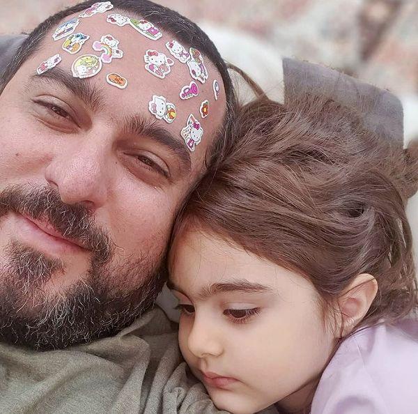 بازی های محسن کیایی با دخترش + عکس