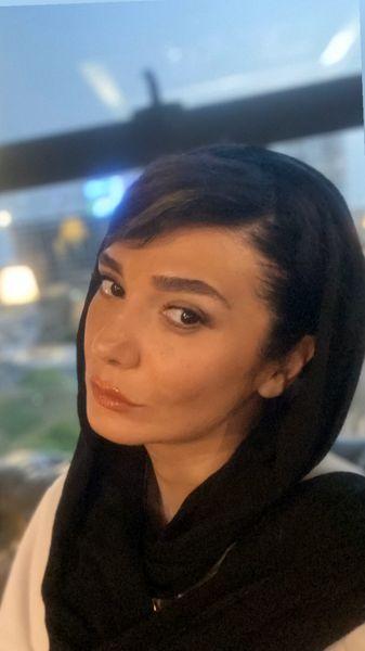 چهره جدی مینا وحید + عکس
