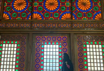 حس عاشقانه مژده لواسانی در شیراز+عکس