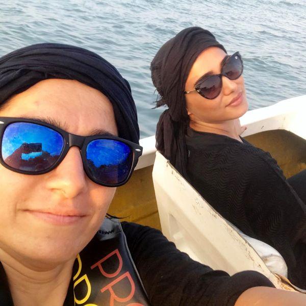 قایق سواری پریناز ایزدیار در دریا+عکس