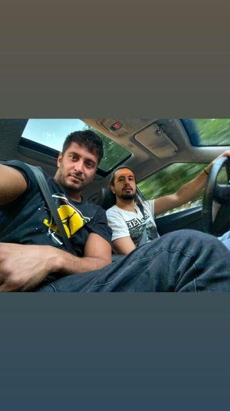 مهرداد صدیقیان و دوستش در ماشین + عکس