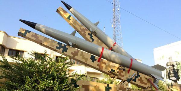 نمایش لانچر دو فروندی موشک «رعد-۵۰۰»