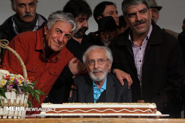 جمشید مشایخی شمع ۸۴ سالگی را فوت کرد+ عکس