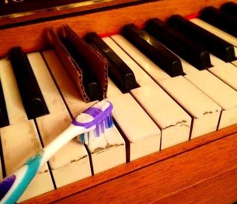 تمیز کردن کلید پیانو