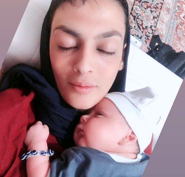عکس پر از حس مادری شهربانو منصوریان و پسر تپلی اش