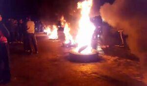 جاده سورک به گهرباران توسط اهالی میاندورود مسدود شد +عکس