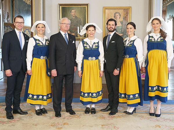 خانواده سلطنتی لباس سنتی+ عکس