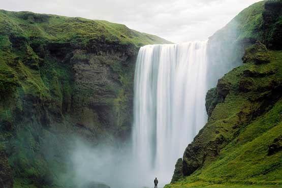 تصویری از یک آبشار یخ زده