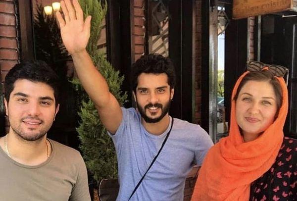 سینا مهراد در کنار برادر و زن برادر اروپاییش + عکس