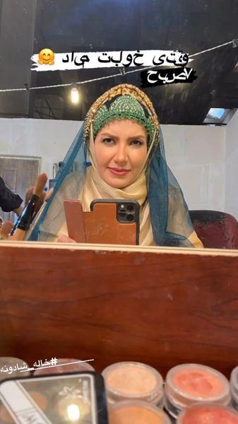 چهره خواب آلود خانم مجری سر صحنه + عکس