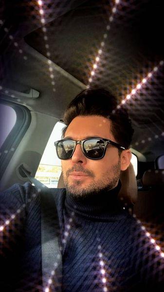 دانیال عبادی در ماشینش + عکس