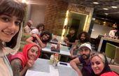 فاطمه گودرزی و دوستانش در رستوران + عکس