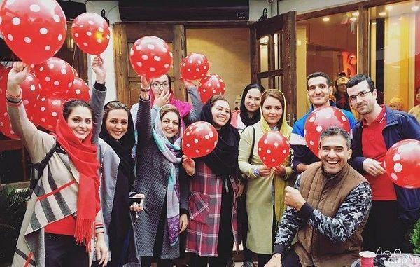 جایزه عجیب عابدزاده به مشتریانش/عکس