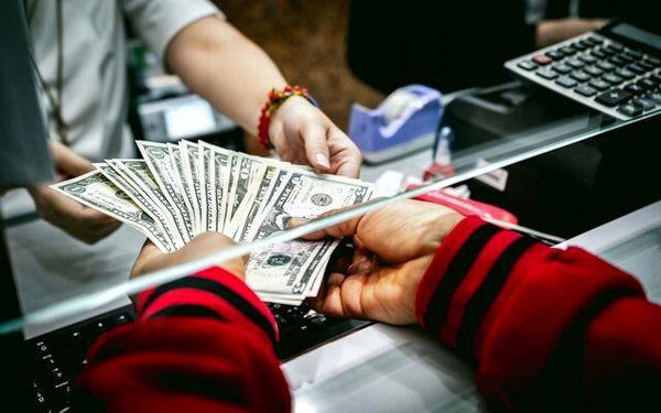 بازگرداندن ارز صادرات به کشور حباب دلار را از بین میبرد