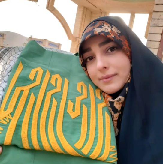 حال خوش خانم مجری با امام رضا(ع)+عکس