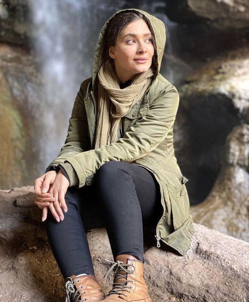 ساناز سعیدی در طبیعتی بکر + عکس