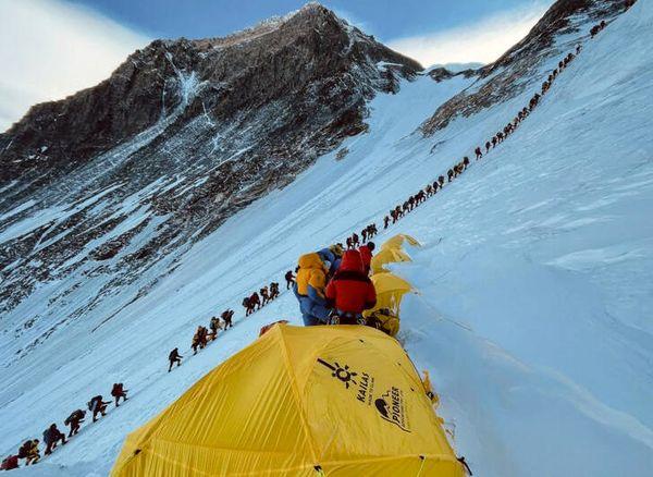 صعود به اورست+ عکس