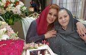 نسرین مقانلو در آغوش مادرش + عکس
