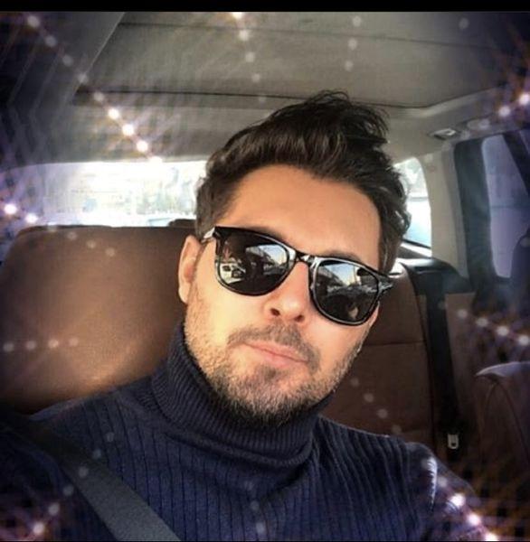 دانیال عبادی در ماشین + عکس