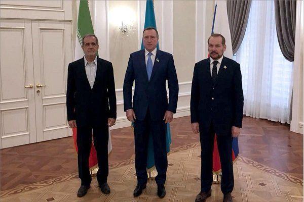 پزشکیان در نشست بین پارلمانی قزاقستان و فدراسیون روسیه حضور یافت