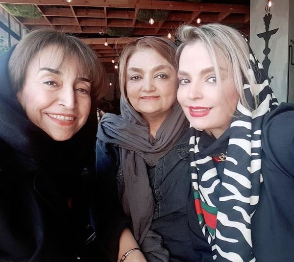 سپیده خداوردی در کنار مادر و خاله اش + عکس