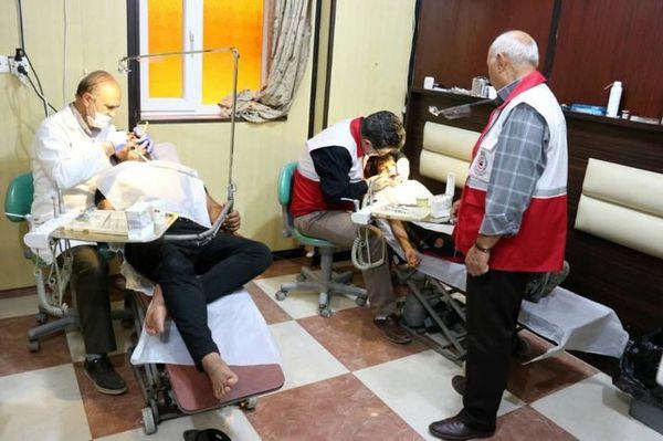 معالجه دندان بیش از 700 زائر اربعین توسط پزشکان هلال احمر در کربلا
