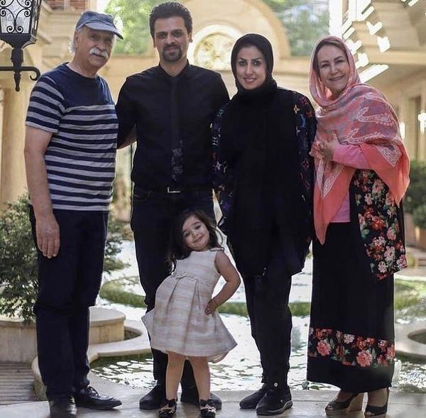 محمود پاک نیت در کنار خانواده اش + عکس