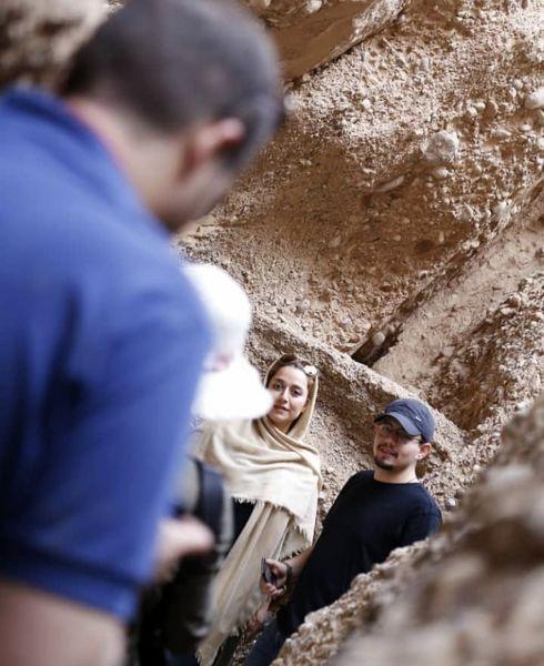 امیر کاظمی و همسرش در میان هواداران + عکس
