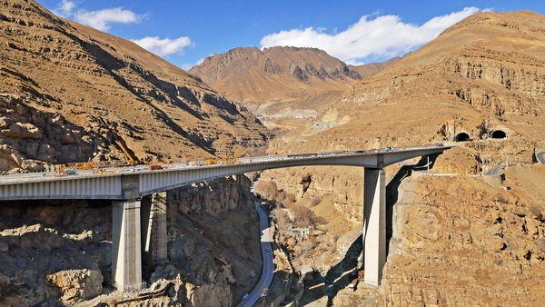 قطعه نخست آزاد راه تهران - شمال آبان ماه امسال به بهره برداری می رسد