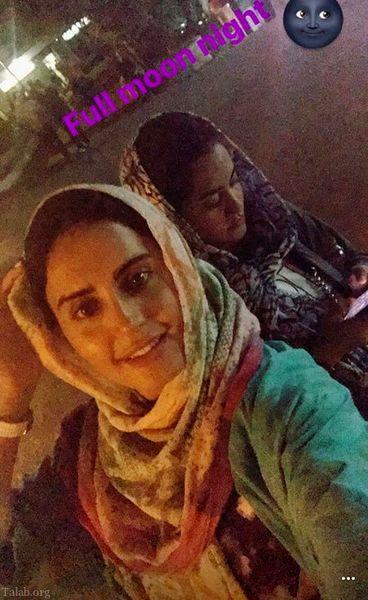 گردش الناز شاکردوست و خواهرش در یک شب مهتابی+عکس