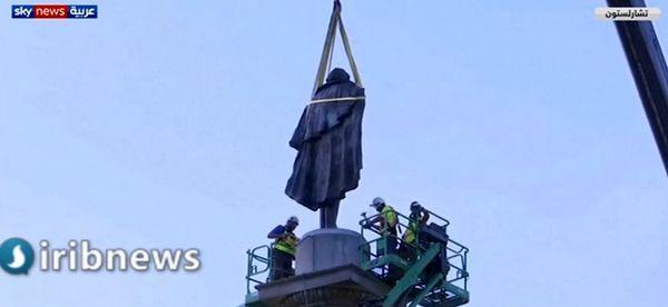برچیدن مجسمه یکی از حامیان برده داری در آمریکا