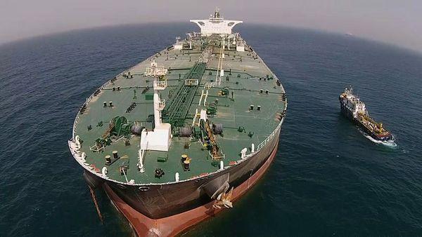سرگردانی 2 تانکر حامل نفت ایران در آبهای امارات